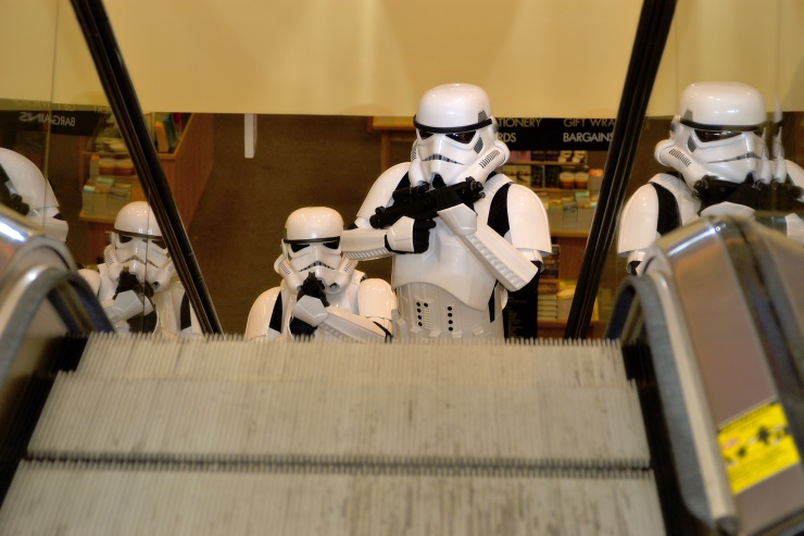 DSC_0695.jpg - Imperial stormtroopers arrive to secure the landing zone