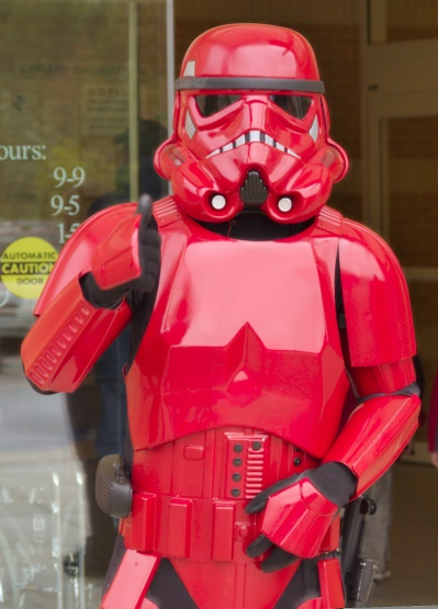 DSC_1723.jpg - The very rare, and exotic, Magma Trooper!