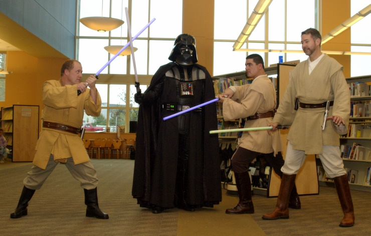 DSC_1747.jpg - Typical Rebel tactics, three Jedi Knights against a single Sith Lord.