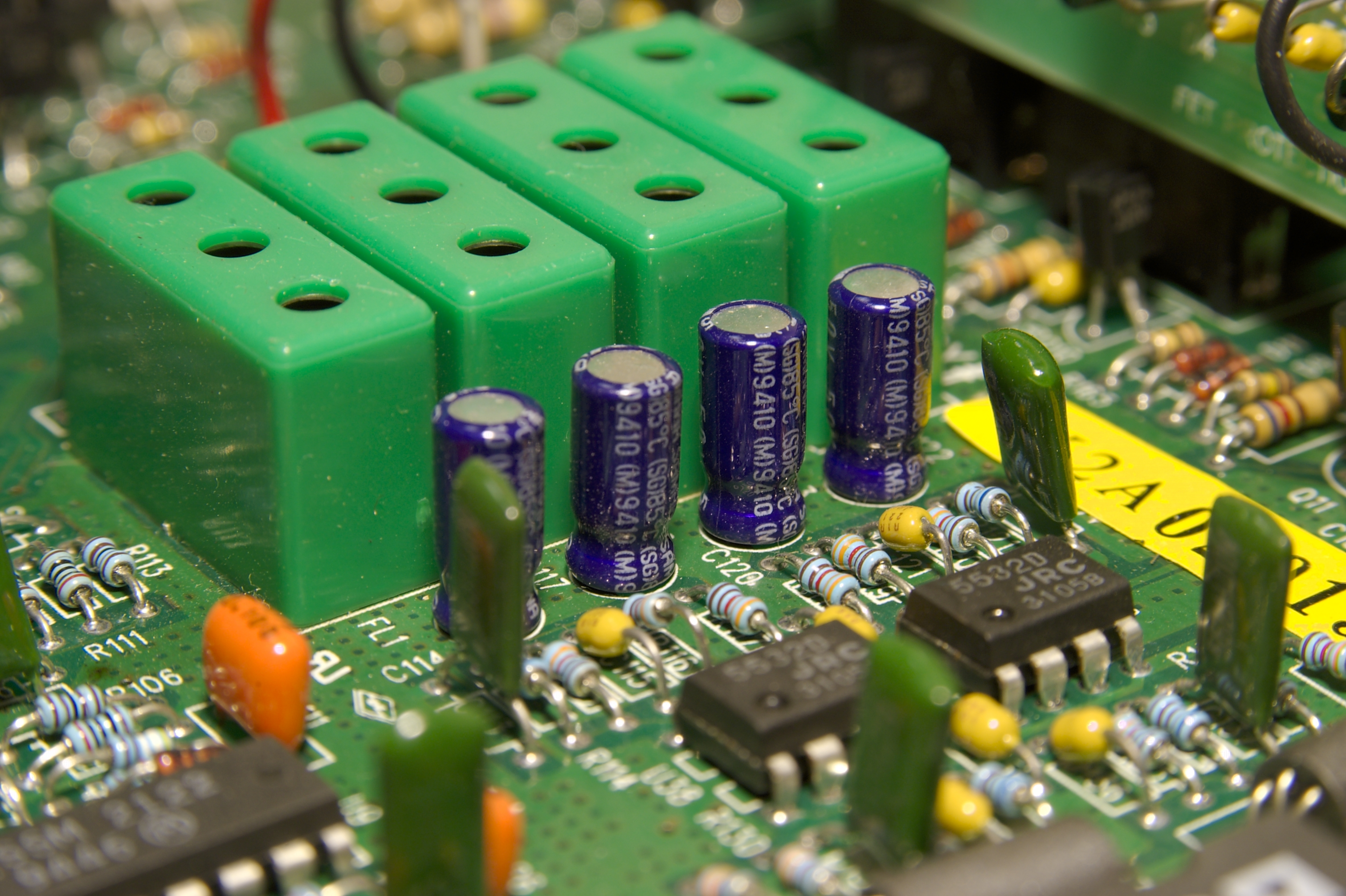 DSC_9927.jpg - another 4 pack of capacitors on the power board